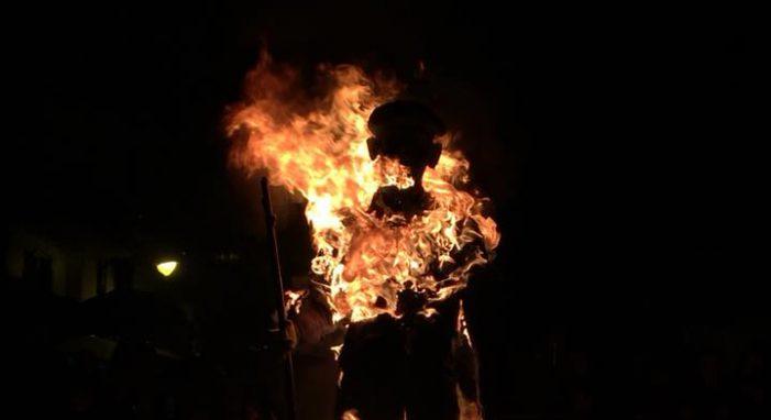La quema de Olentzero despide 2017